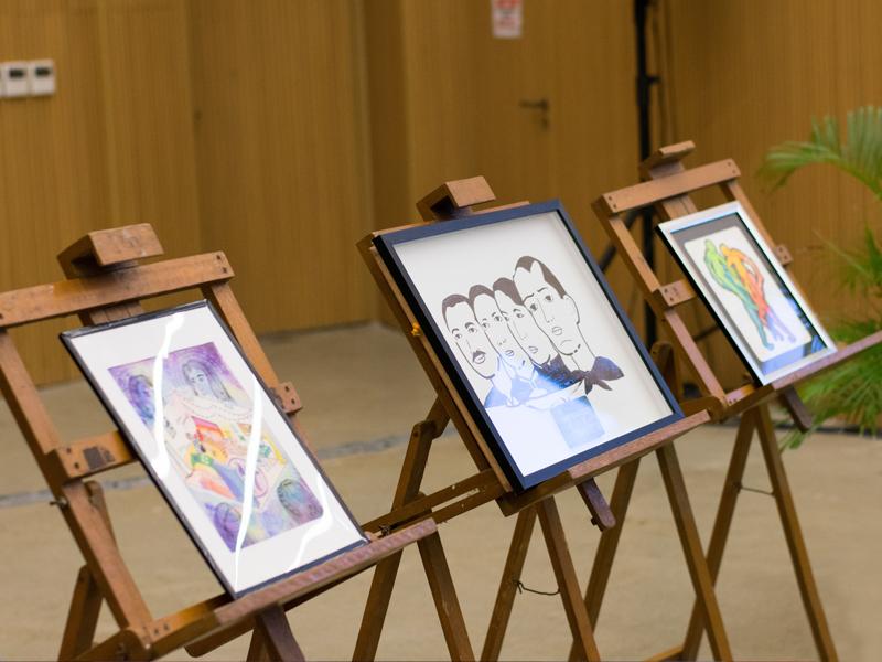 Art Fairs & Exhibits