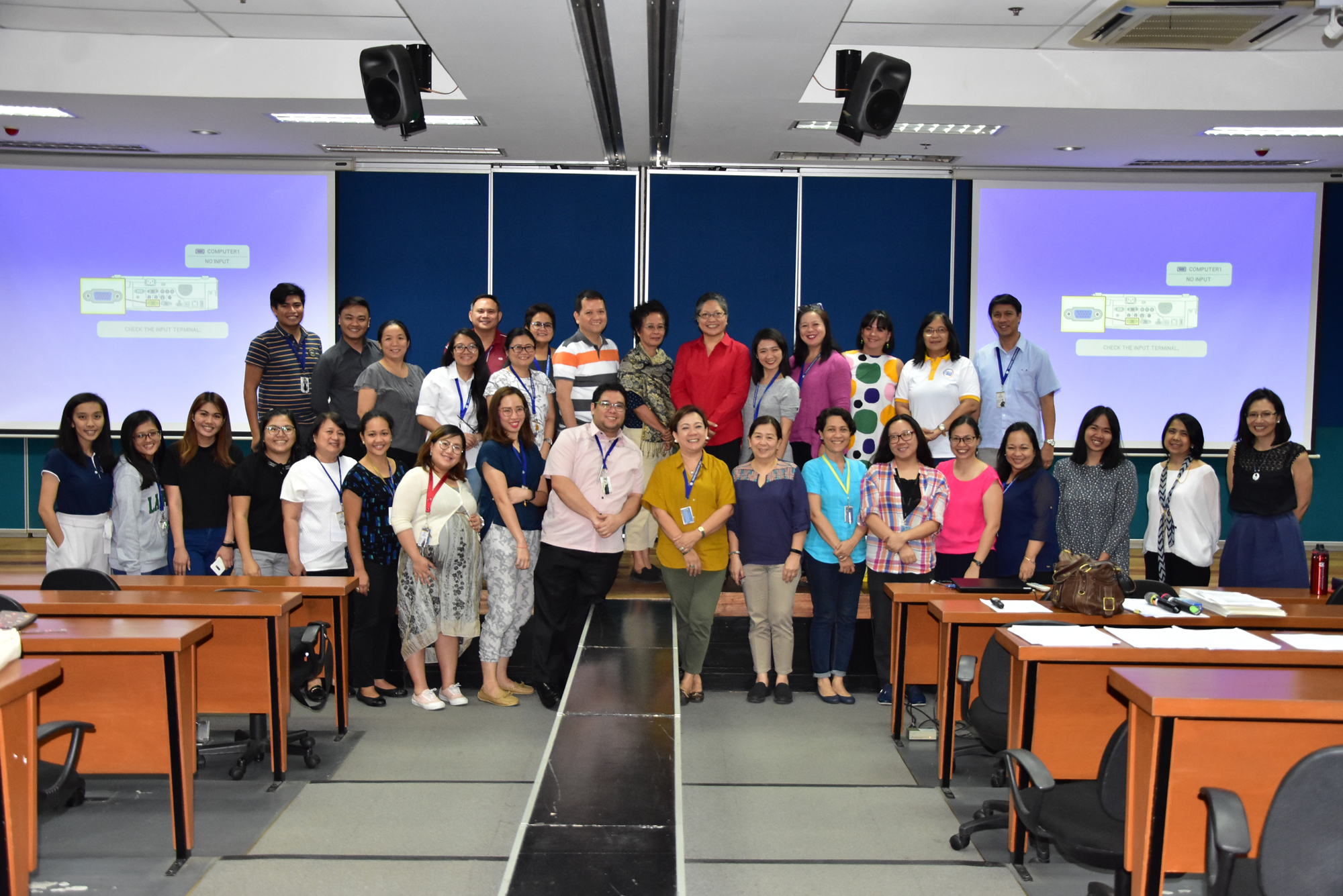 BEU and HEU faculty post for a photo opp with Dr. Galace and Dr. Peñalosa after a successful whole day workshop