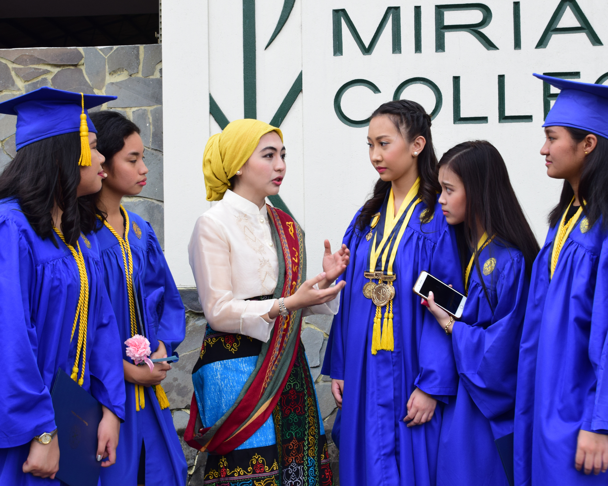 I Am a Muslim Who Graduated From an All-Girls Catholic High School | Smart Parenting